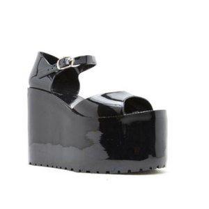 Platform Ankle Strap Jelly Sandals in Black